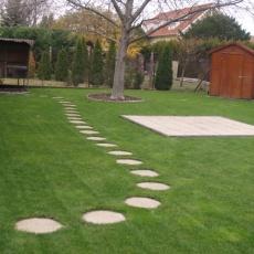 kerti tipegő